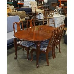 QUEEN ANNE MAHOGANY DINING TABLE WITH 4 CHAIRS