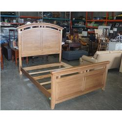 QUEENSIZE BED FRAME