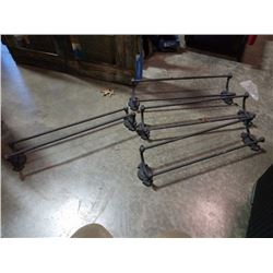 4 decorative metal blankets / towel racks