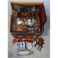 FLAT OF ASSORTED COLLECTIBLES