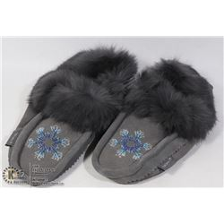 LADIES MOCCASIN SIZE 7