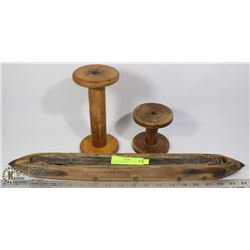 VINTAGE LOOM SHUTTLE AND 2 WOODEN SPOOLS