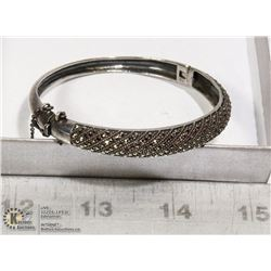SILVER AND RHINESTONE BRACKET WITH SAFETY CATCH