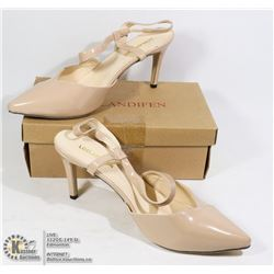 NEW PAIR OF NUDE HEELS BEIGE SIZE EU 42