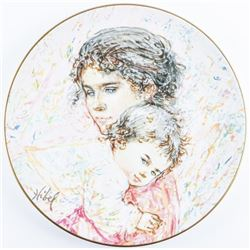 Royal Doulton Hibel 'Marilyn and Child' LE Plate
