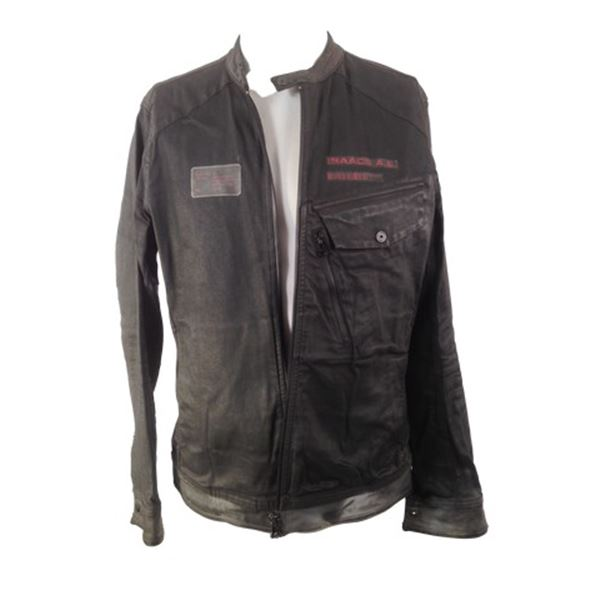 Resident Evil: The Final Chapter Dr. Isaacs (Ian Glen) Movie Costumes