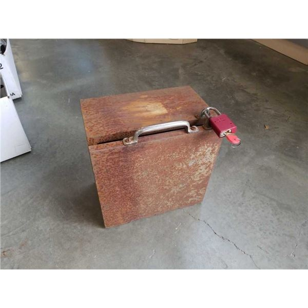 Very heavy cast iron safe with lock