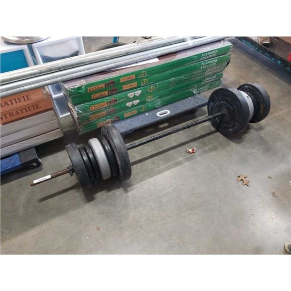 Barbell with approx 150lbs of weider and healthmaster weights