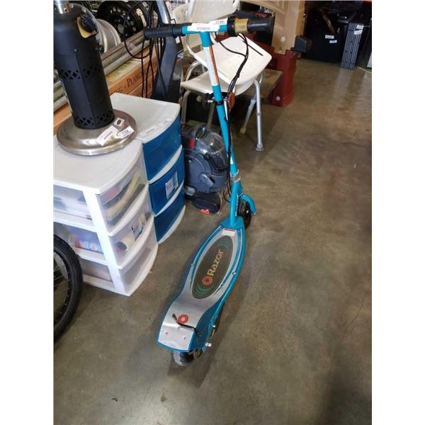 Razor e 200 electric scooter, no charger, no power
