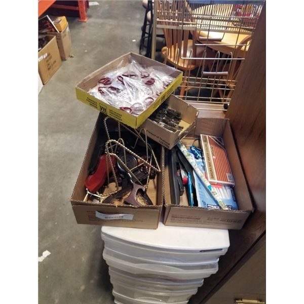 LOT OF SMALL SCISSORS, PAINTBRUSHES, OFFICE SUPPLIES AND COLLECTOR PLATE STANDS