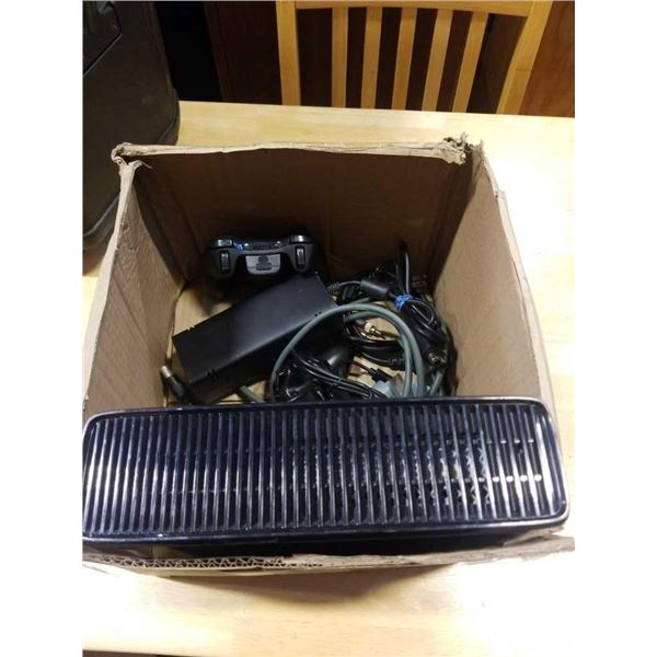 XBOX360 CONSOLE WITH 2 CONTROLLERS