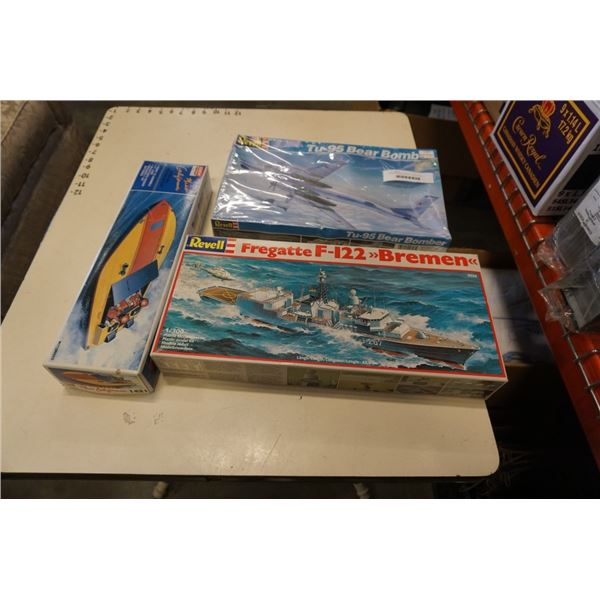 REVELL BOMBER MODEL PLANE, MODEL SHIP AND MODEL BOAT