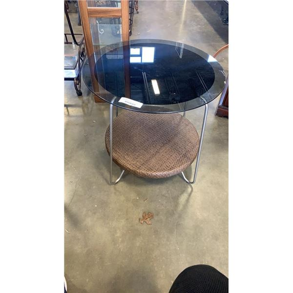 ROUND GLASSTOP METAL AND WICKER ENDTABLE