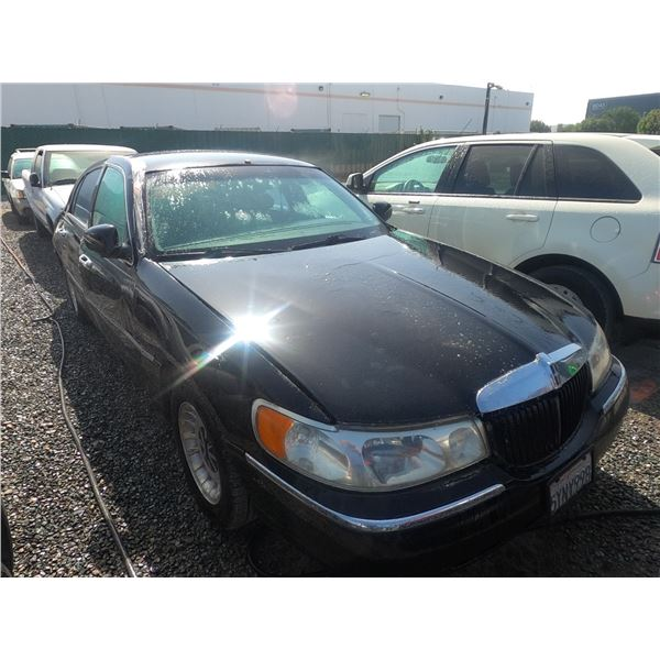 LINCOLN TOWN CAR 1998 T-PRIOR TAXI/DON