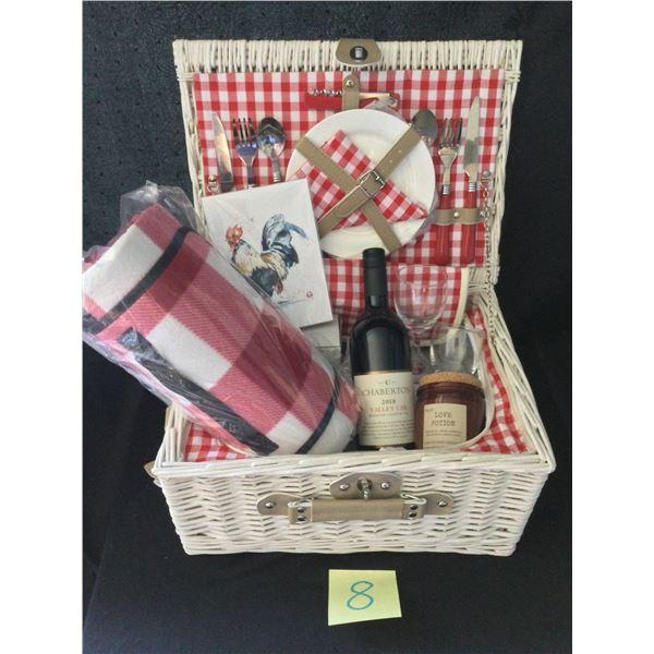 Romantic picnic Hamper