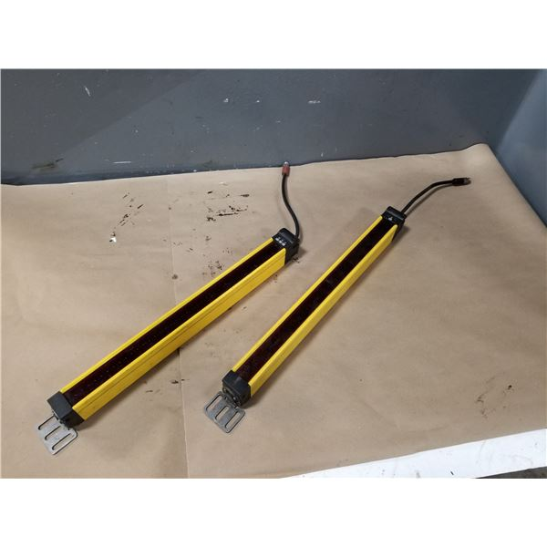 (2) OMRON MS4800S-20+0400-R MINISAFE TRANSMITTER SENSOR CURTAIN