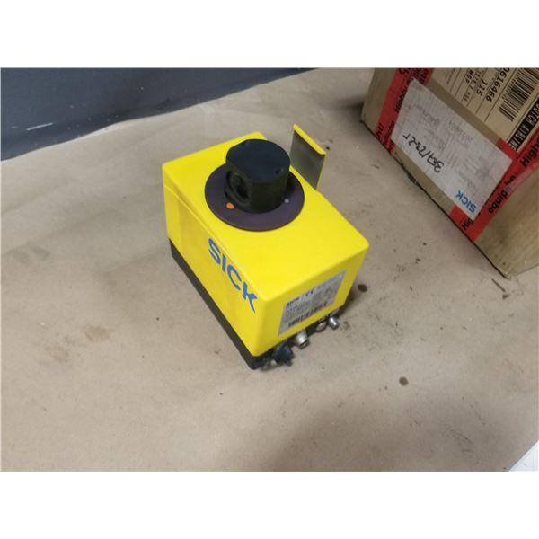 SICK RLS100-1111 ROTATING SAFETY SCANNER (ORIGINAL BOX) *SEE PICS FOR DETAILS*