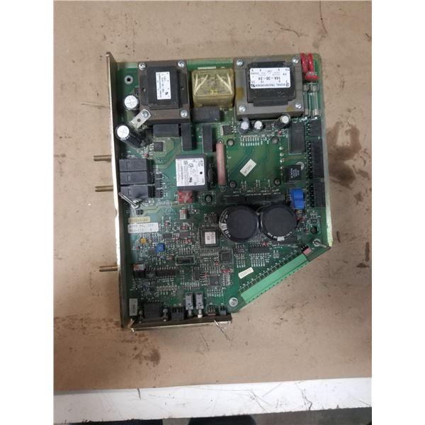 IIS MLD-111 CONTROLLER CIRCUIT BOARD
