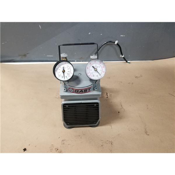 GAST DOA-P104-AA COMPRESSOR VACUUM PUMP