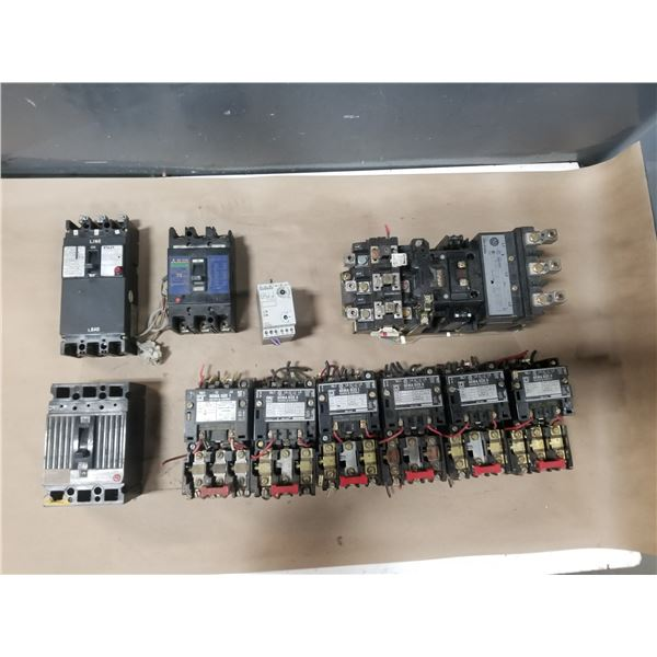 LOT OF MISC CIRCUIT BREAKERS *SEE PICS FOR PART #S*