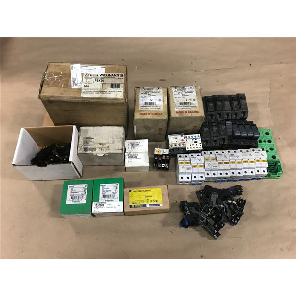LOT OF MISC. ELECTRICAL ITEMS *SEE PICS FOR PART #'S*