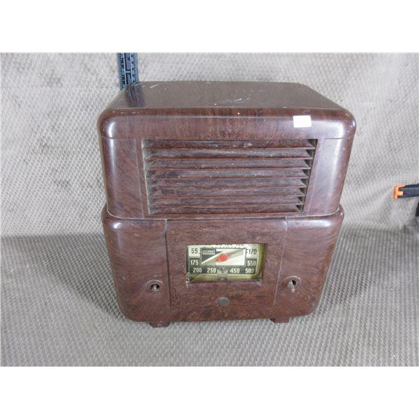 Vintage Stewart Warner Radio
