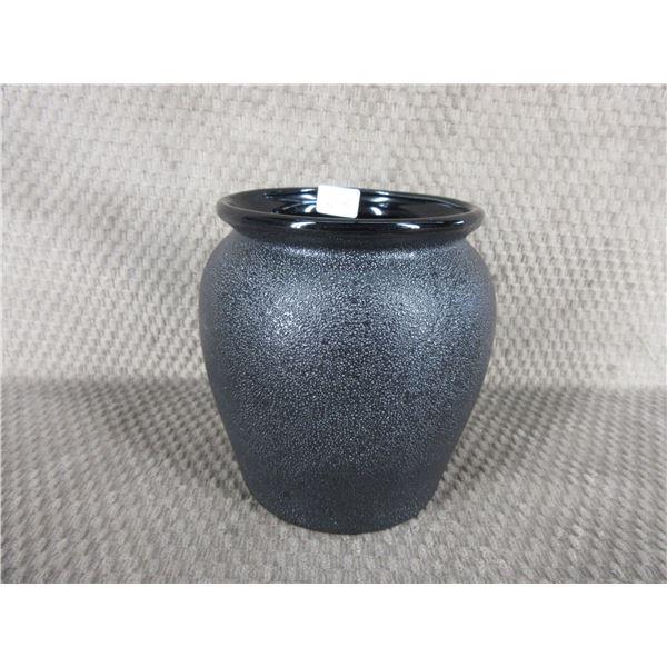 Black Ceramic Pot