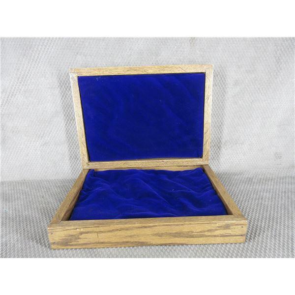 """Oak Wood Box 14 1/2"""" X 10 3/4"""" X 4"""" Missing Hardware"""