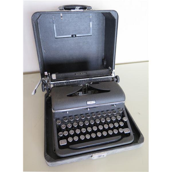 Vintage Royal Manual Typewriter Quiet DeLuxe in Hard Case