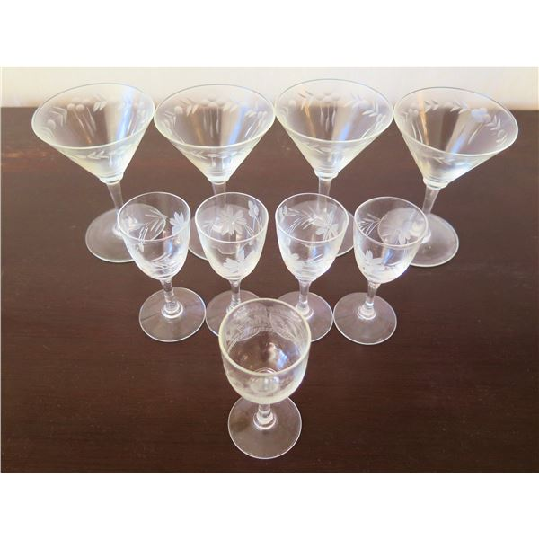 """Qty 4 Etched Martini Glasses, 4 Cordial Glasses & Wine Goblet 3.5""""-5""""H"""