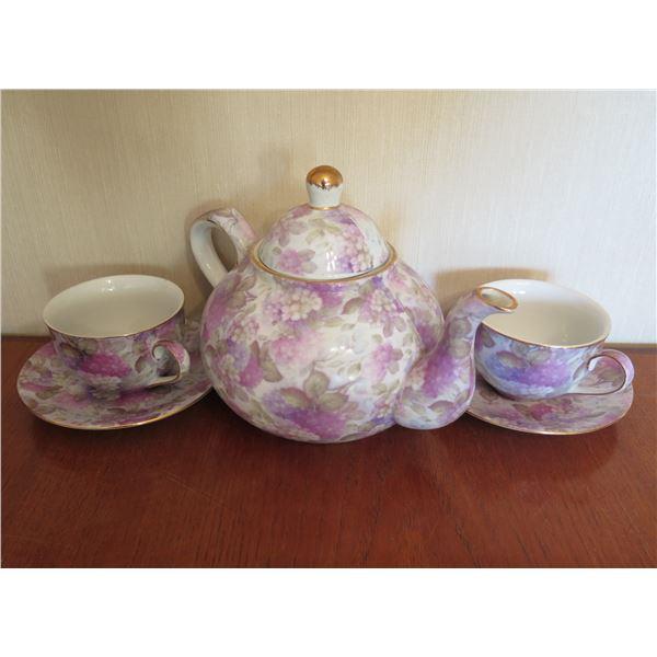 Qty 2 Teacups w/ Saucers & Lidded Teapot w/ Floral Design & Gold Accents