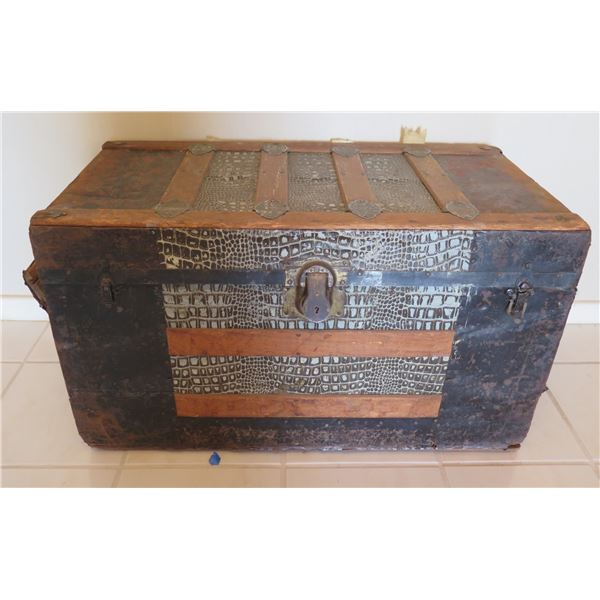 """Vintage Wooden Chest Trunk w/ Removable Shelf & Metal Hardware 34""""x18""""x19.5"""""""