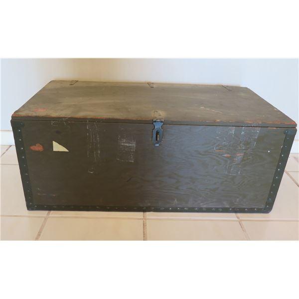 "Vintage Shwayder Bros Inc 1943 Steamer Trunk w/ Metal Hardware 32""x16""x13"""