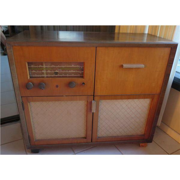 "Vintage Wooden Radio in Cabinet w/ Built-In Speakers & Turntable 35""x16""x31""H"