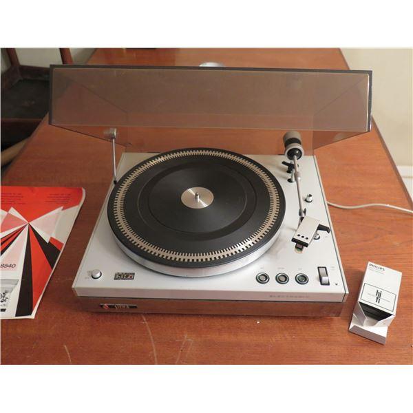 "Siera Stereo Hi-Fi Turntable w/ Philips Needle 100 & Plastic Cover 15""x13"""