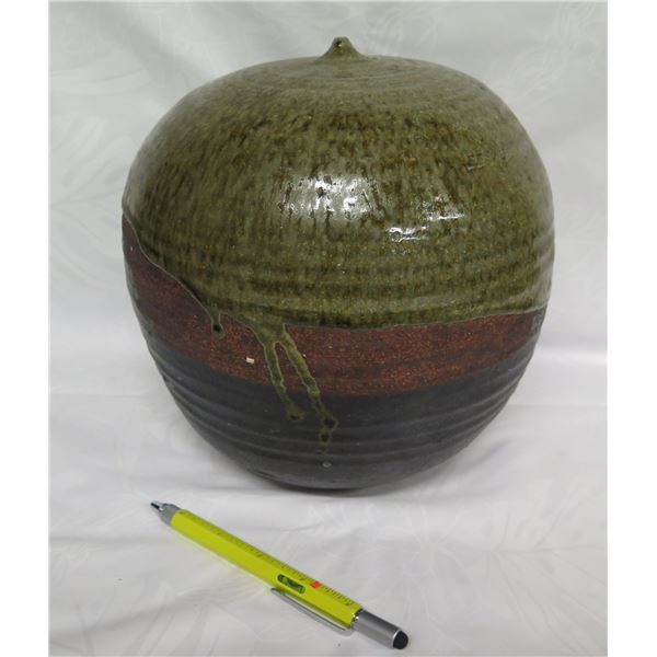 """Decorative Glazed Accent Décor Pottery, Signed by Artist 9"""" Dia."""