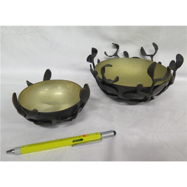 """Qty 2 L'Objet Decorative Round Bowls w/ Black 3D Leaf Accent 3"""" & 5""""H"""