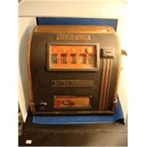 Bar Top Vintage Twenty-One Slot Machine
