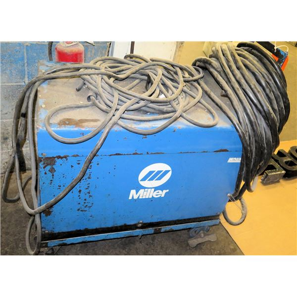 Miller Dialarc HF Constant Current AC/DC Welder on Cart