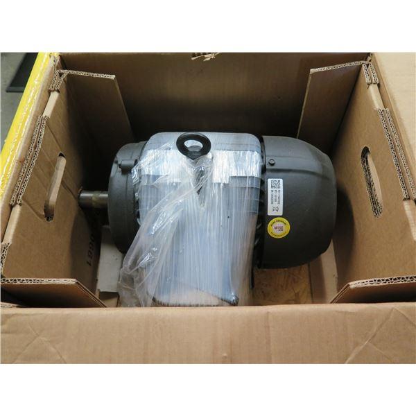 New WEG NEMA Premium Efficiency 5 HP 4P 182/4T AC Motor 11651805 in Box