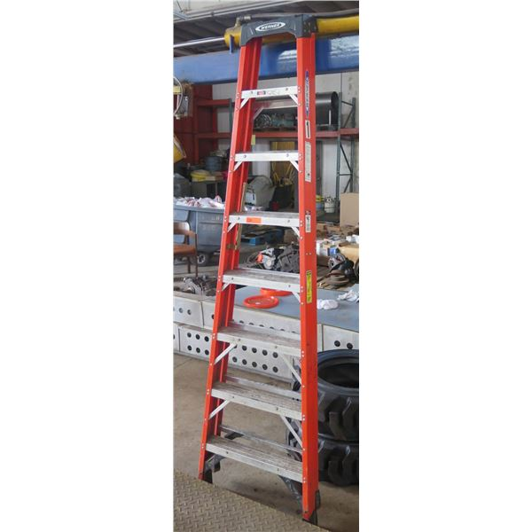 Werner Red Metal Step Ladder NXT1A08