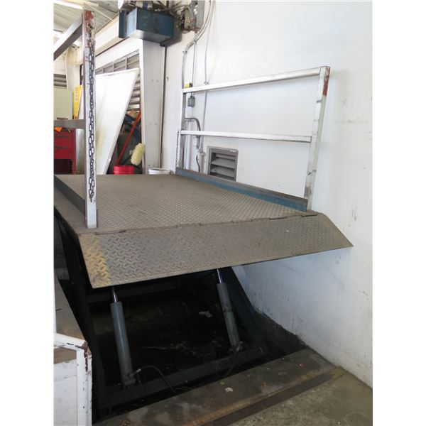 Hydraulic Platform Lift Elevator (8ft x 6ft Platform) Used On Loading Dock (Pick up by appointment)