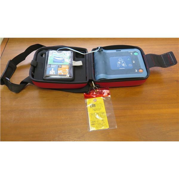 Philips Heart Start FRx Defibrillator w/ Smart Pads II & Prep Kit in Carry Case