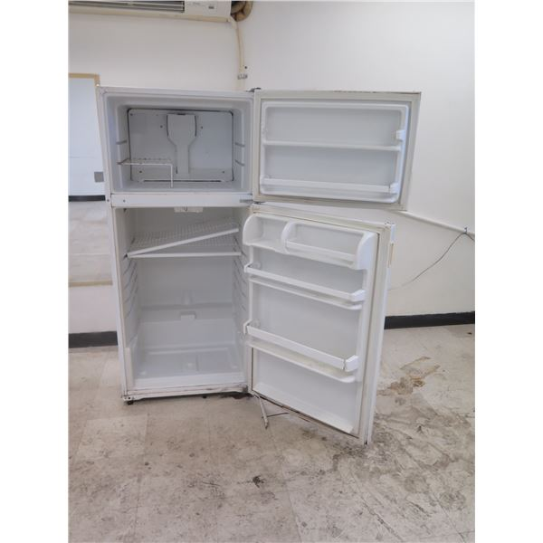 Kirkland ST14CKXSQ01 Refrigerator