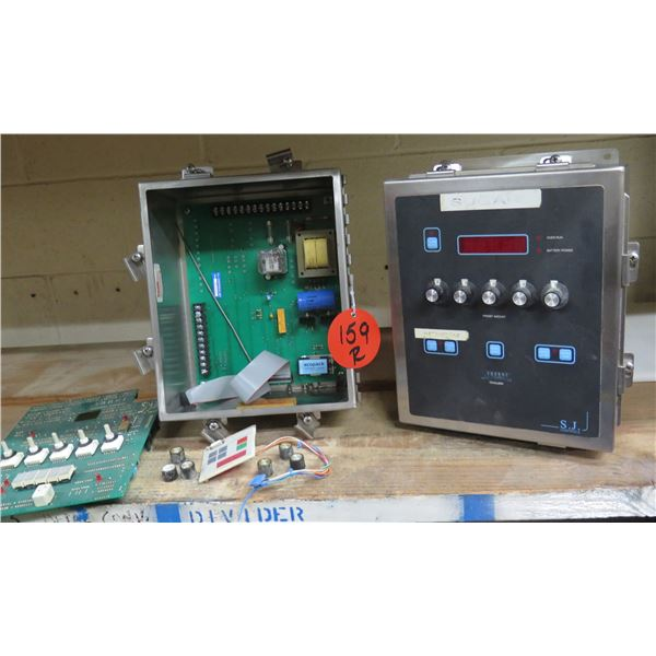 S.J. Controls Totalizer Electronic Batching Unit in Metal Case