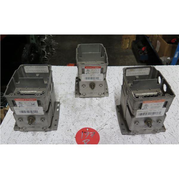 Qty 3 Honeywell Modutrol IV Motors M9184D1021/U