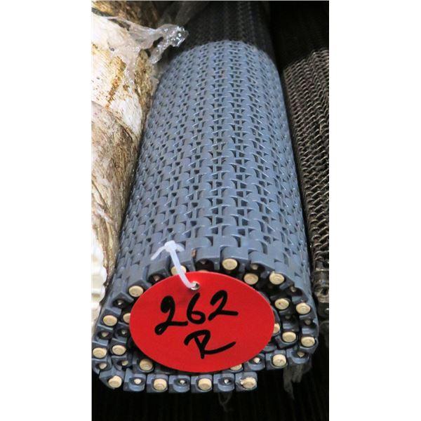 Multiple Rolls Gray Conveyor Belts Lengths on Gear Roller Chain