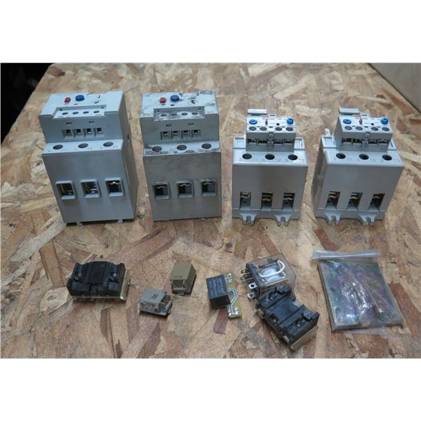 Qty 4 Allen-Bradley Overload Relays 193-EEGE/193-EA5KE & Misc Parts