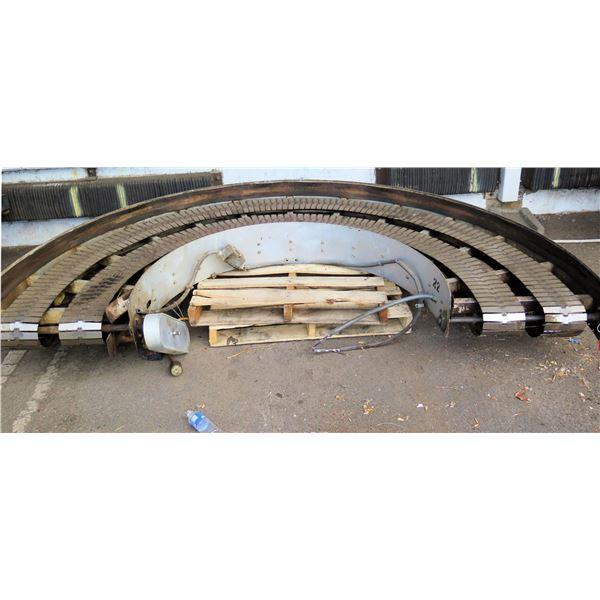 "Semi-Circle Dual Conveyor Belt 113""L x 28""W"