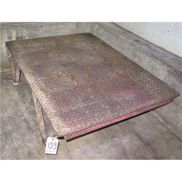 "Low Metal Diamond Plate Table 36"" x 48"" x 12""H"